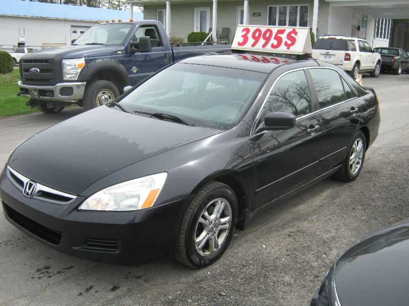 Honda Accord SE 2006 à vendre à Ste-Sophie PETIT BUDGET !!!