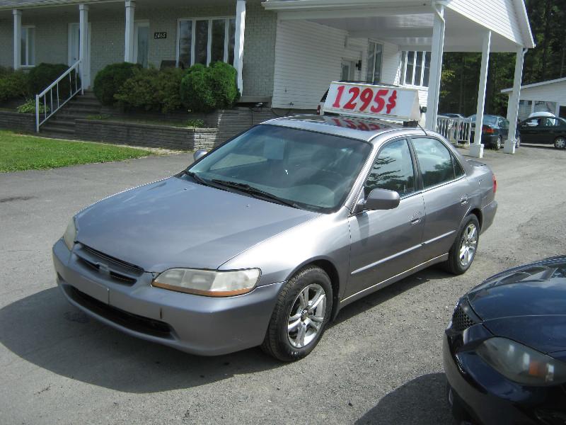 Honda Accord EX 2000 à vendre à Ste-Sophie PETIT BUDGET !!!
