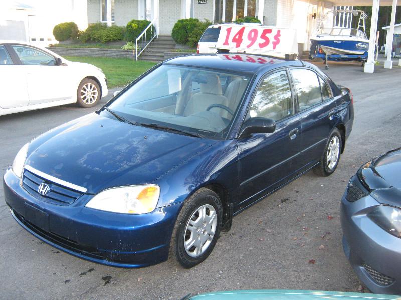 Honda Civic DX 2002 à vendre à Ste-Sophie PETIT BUDGET !!!