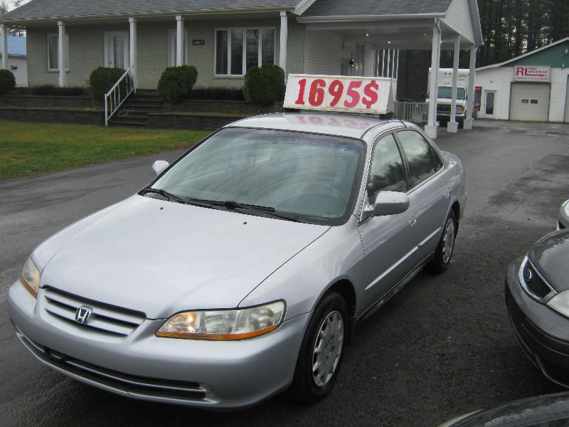 Honda Accord LX 2001 à vendre à Ste-Sophie PETIT BUDGET !!!