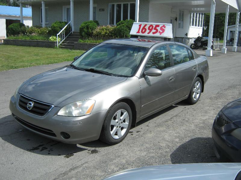 Nissan Altima 2.5 SL 2003 à vendre à Ste-Sophie PETIT BUDGET !!!